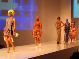 ロシア・サンクトペテルブルクのファッションコンテストにデザインコース生3名が入賞!