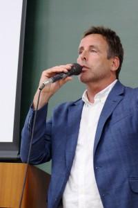 アメリカ最大規模のアパレル見本市「MAGIC」のChristopher Griffin(クリストファー・グリフィン)氏による特別講義が行われました