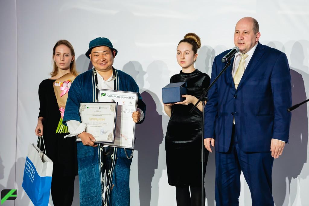ロシア・サンクトペテルブルクのファッションコンテストでグランプリを受賞!