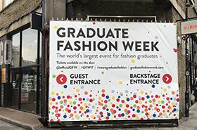 イギリス・ロンドンにて開催された<br >「Graduate Fashion Week 2017」に<br >参加しました