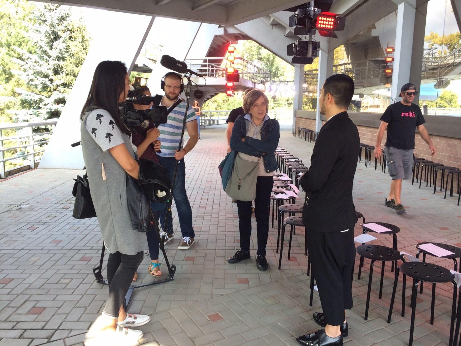 チェコのテレビ局による取材風景