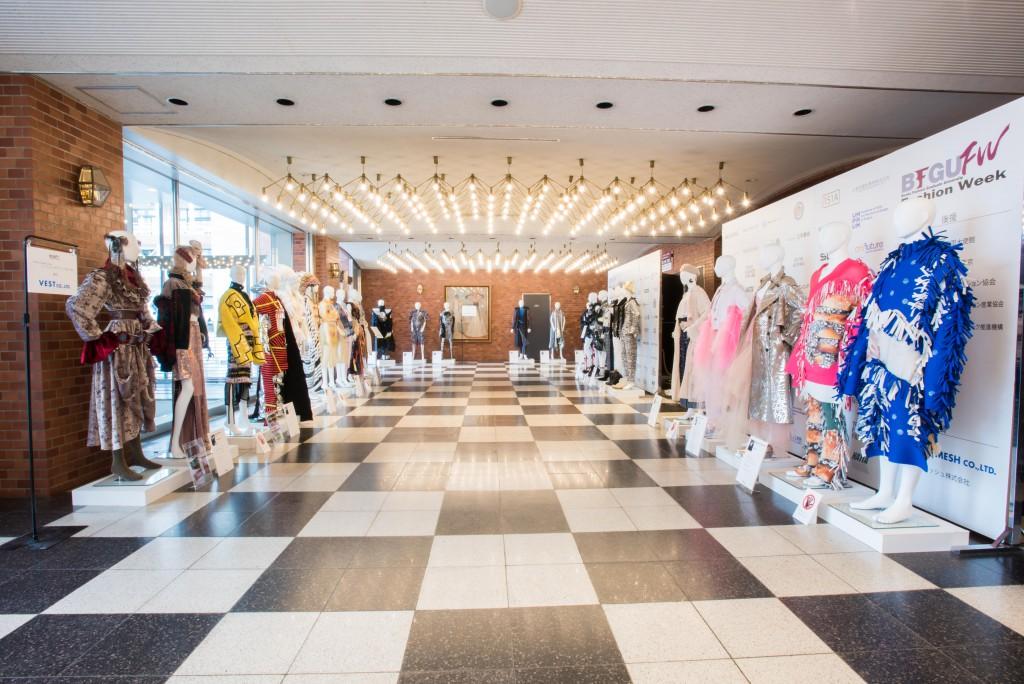 ファッションデザインコース協賛特別展示