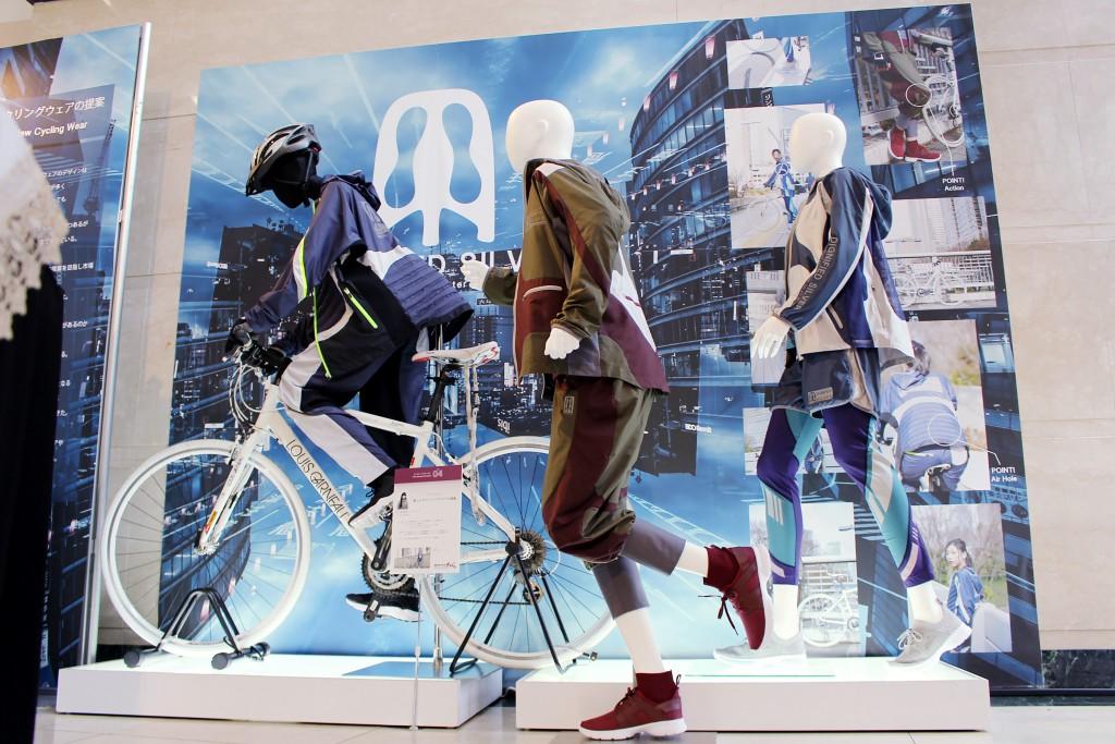 ファッションテクノロジーコース2年次修了展示