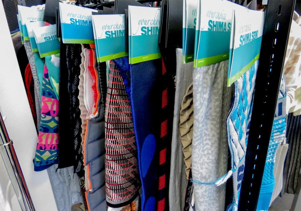 様々な編み組織のサンプル