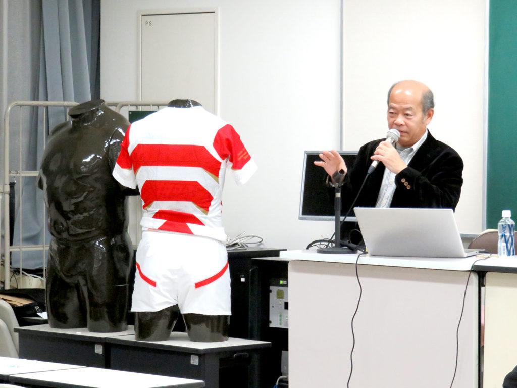 開発の様子を熱く講義する沼田氏